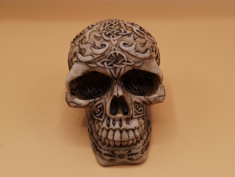 Skull Figurine 7cm